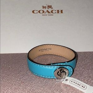 NWT Coach Leather Wrap Turnlock Bracelet
